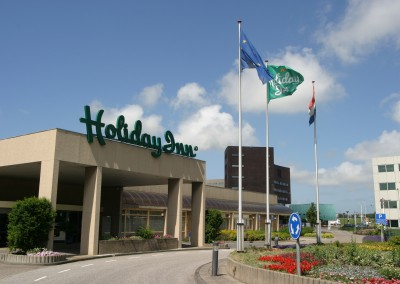 Sign - Holiday Inn